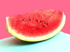 夏天吃西瓜文案 吃西瓜发朋友圈的心情短语
