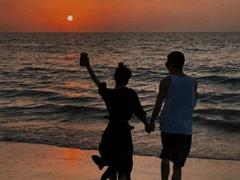 情侣秀恩爱的微信状态文案 关于爱情的情侣微信状态句子