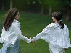 第一次当伴娘伴侣圈案牍 闺蜜结婚当伴娘的表情说说