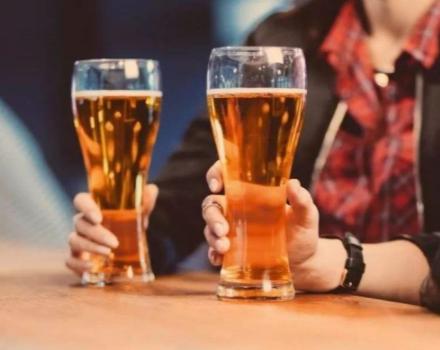 一个人的夜晚独自喝酒的说说 独自一人饮酒的文案