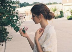 唯美悲伤的句子:原来,思念时,连呼吸也会心痛